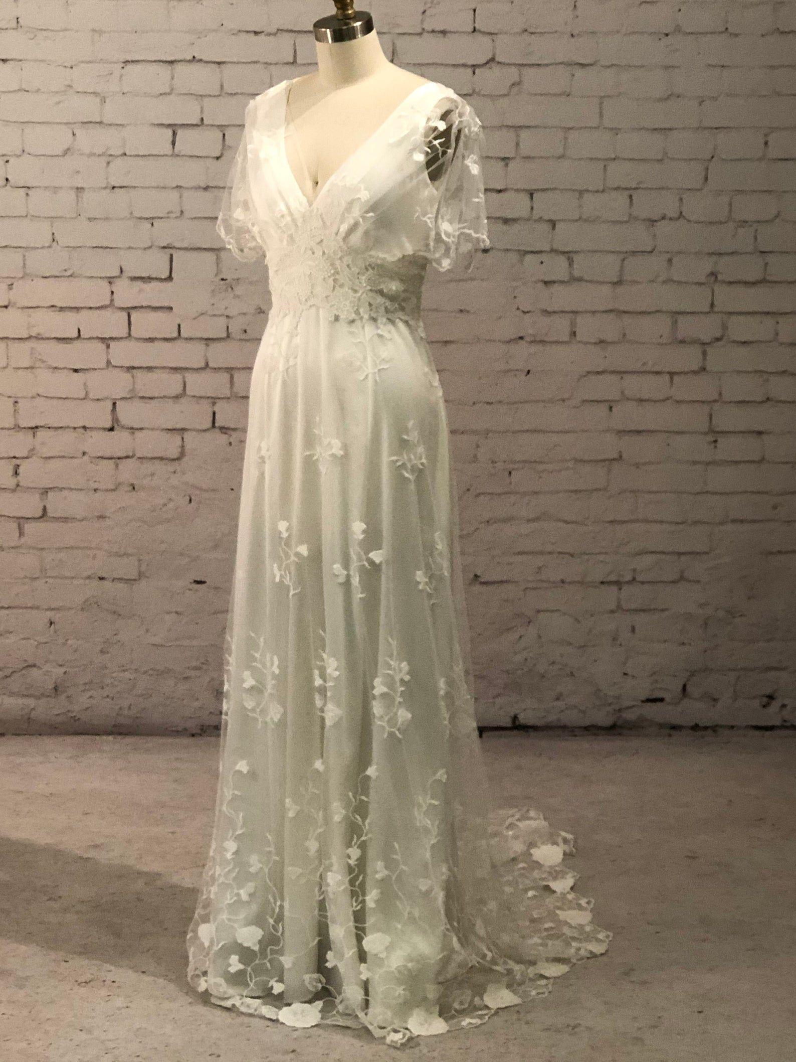Casual Wedding Dress Simple Wedding Dress Backyard Wedding Dress Rustic Wedding Dress Vintage Wedding Dress Wedding Dress With Sleeves In 2021 Casual Wedding Dress Backyard Wedding Dresses Simple Wedding Dress Casual [ 2556 x 1588 Pixel ]