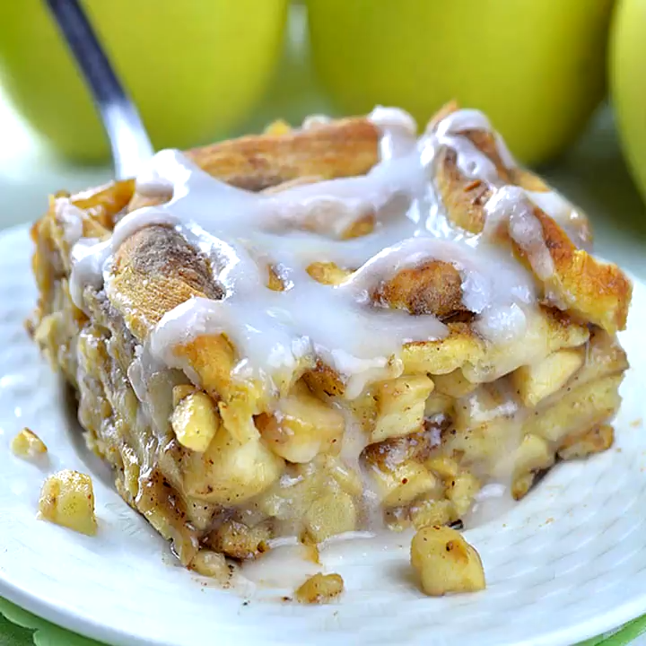 Apple Cinnamon Roll Lasagna #caramelapples