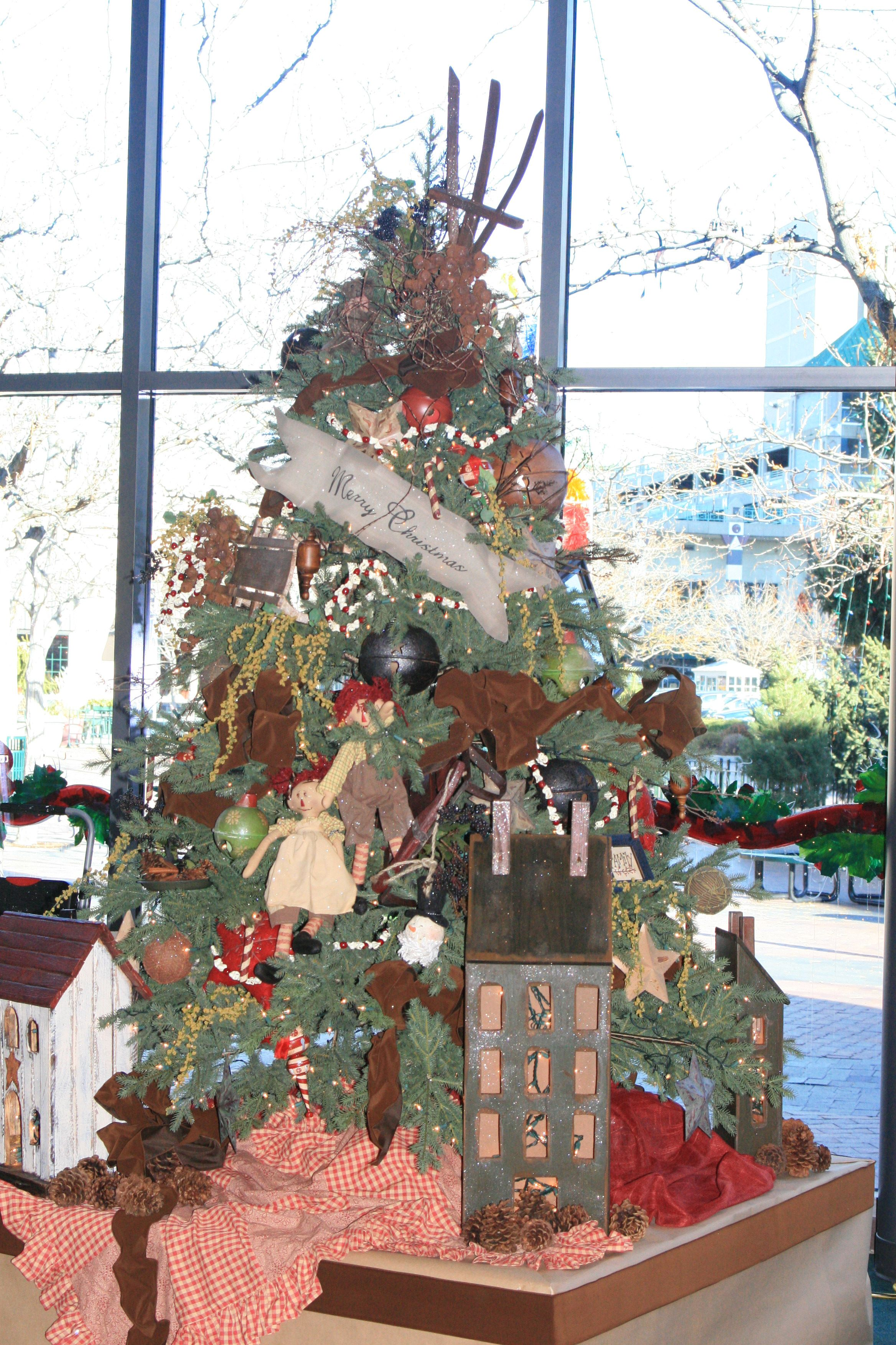 Old Fashioned Christmas Tree. Boise Festival of Trees 2009 ...