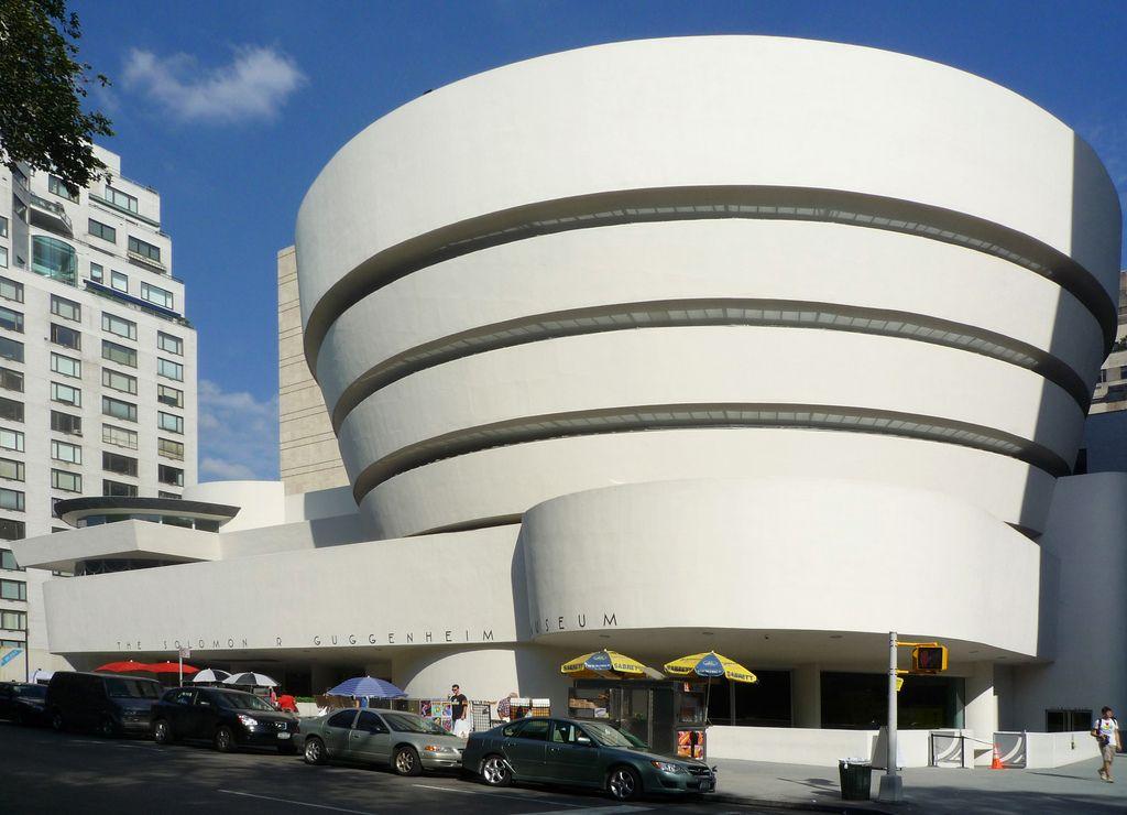 Solomon R Guggenheim Museum 建築 フランクロイドライト