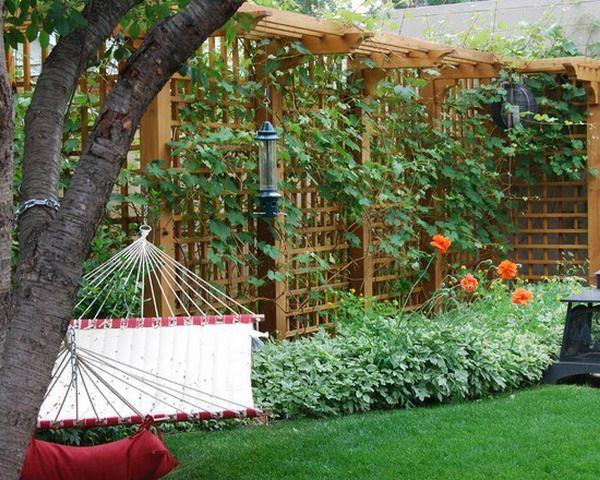 La d coration ext rieure avec un treillis de jardin for Decoration jardin exterieure