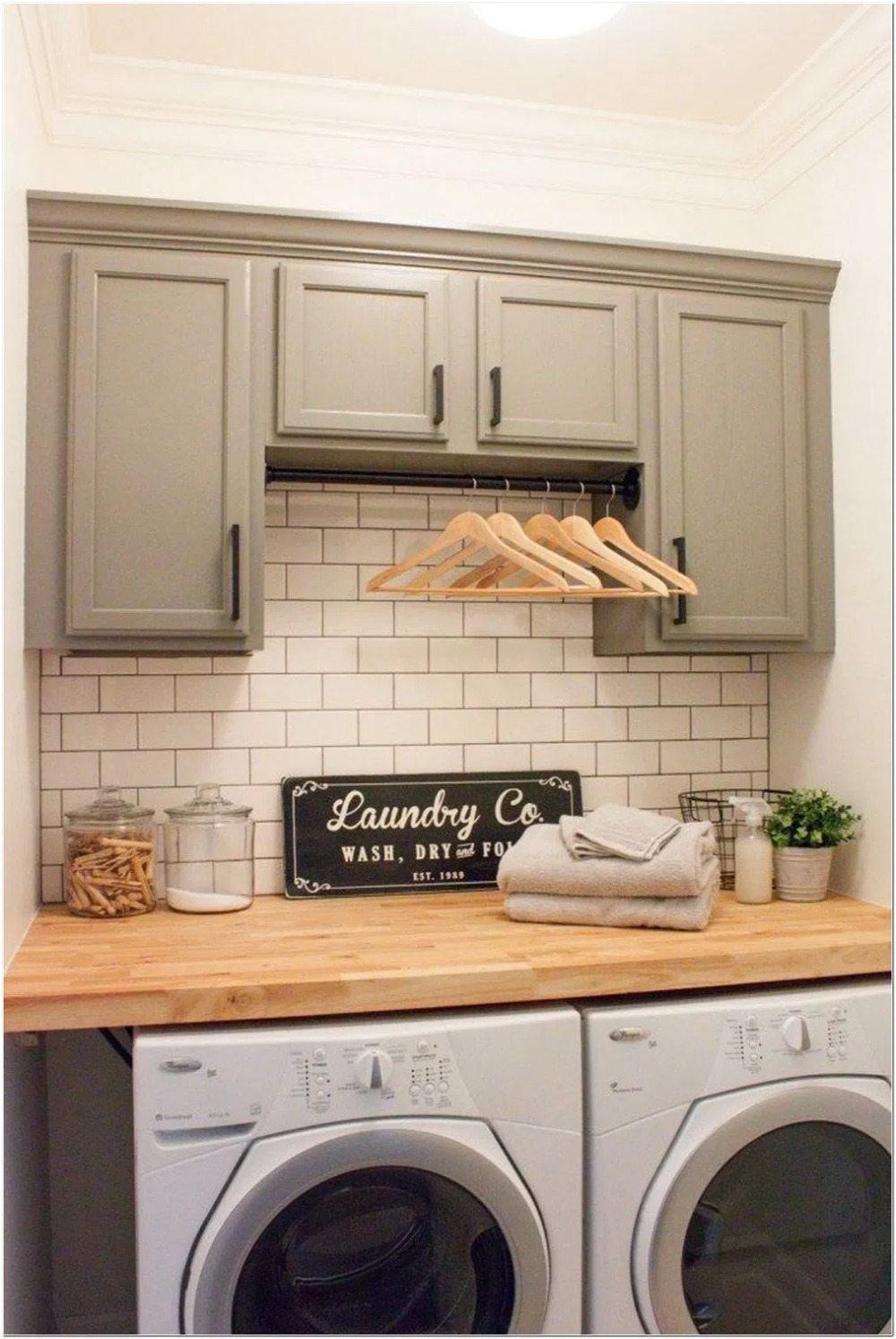 63 Smart Farmhouse Laundry Room Storage Organization Ideas 20