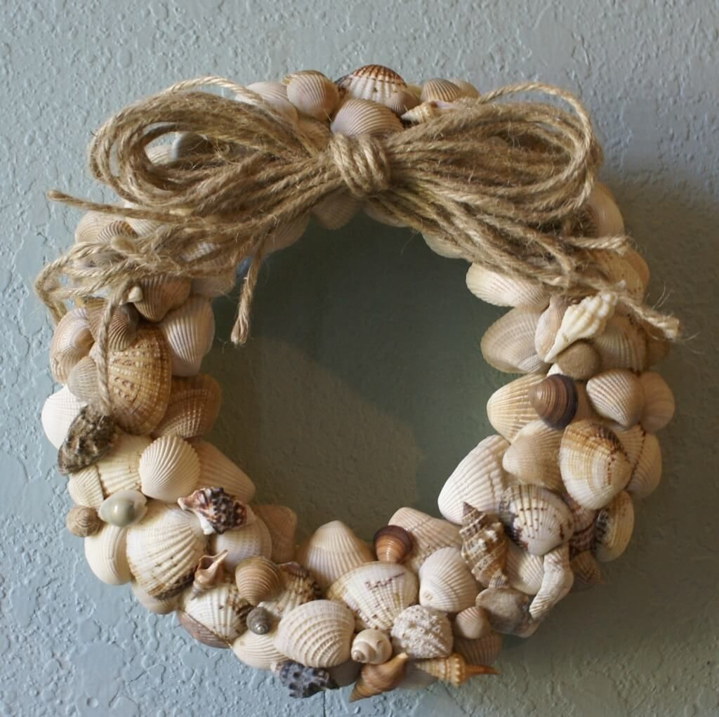 Decorative seashell craft ideas - Home Decoration Delightful Seashell Wreath Design With Rope Beautiful Seashell Wreath Ideas For Appealing