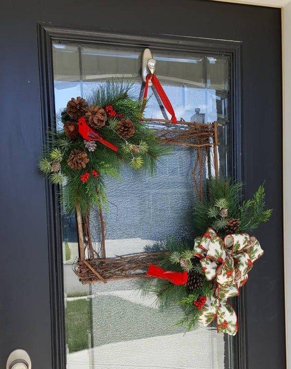 Photo of Winterkranz mit Kardinälen, Bauernhaus und rustikalem Weihnachtsdesign, minimalistisches Dekor für Tür, Dekor für Hausfeiertagskranz, Weihnachtskranz
