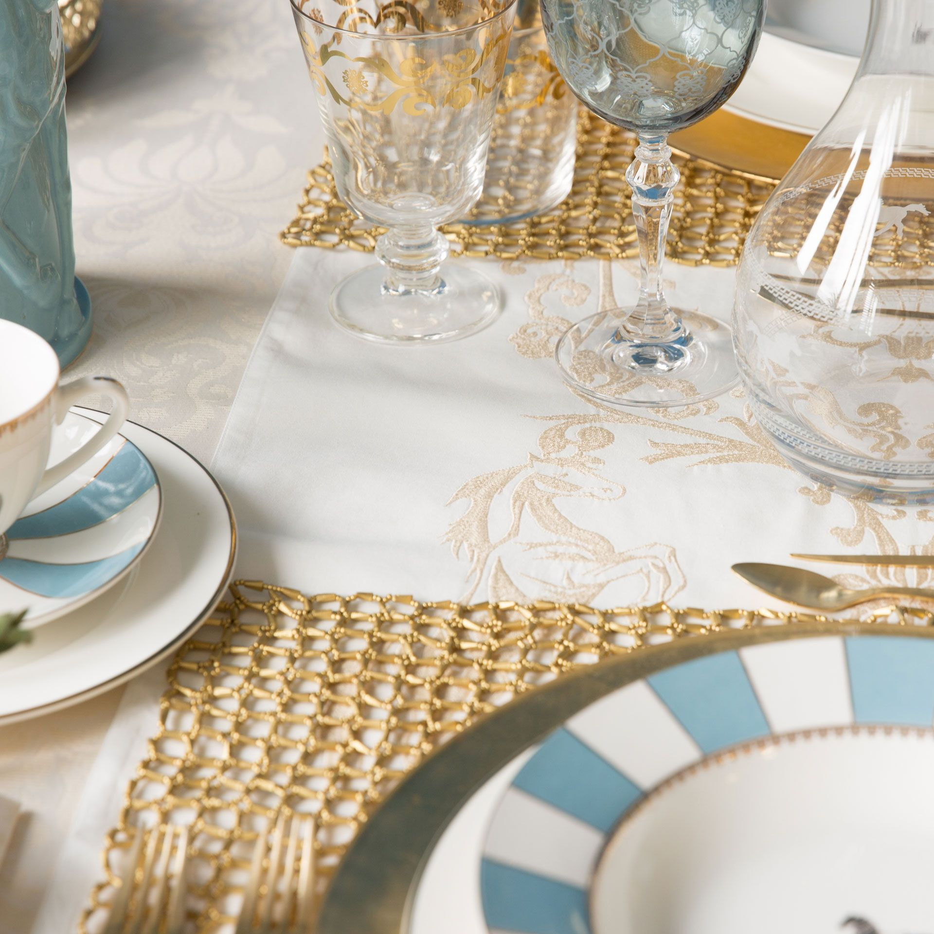 Golden embroidered cotton table runner table runners for Table zara home