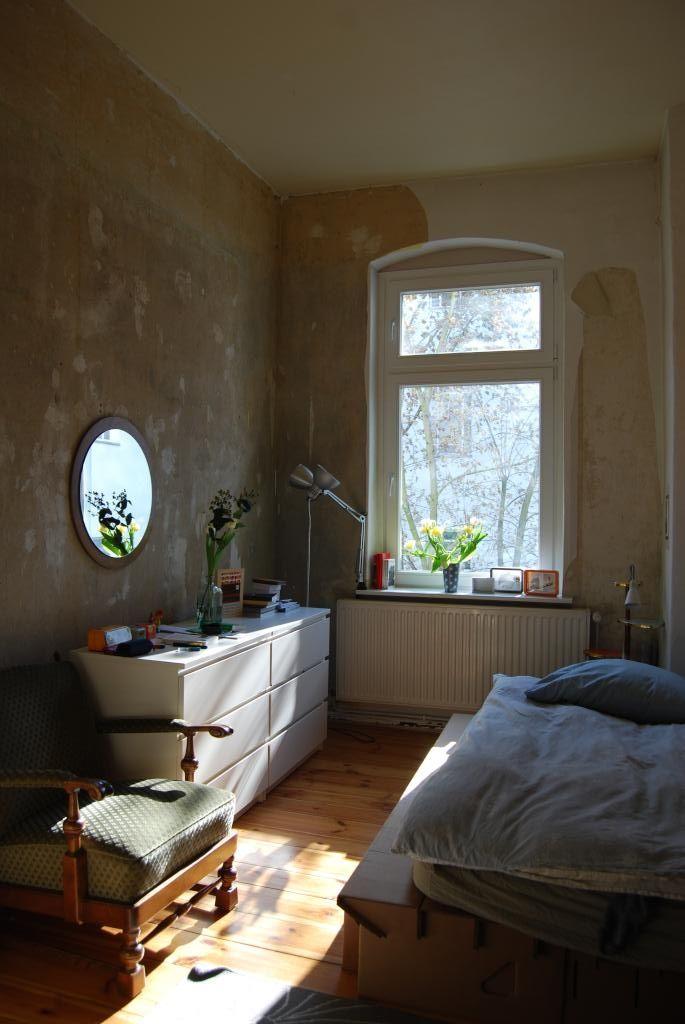 Schönes Altbau-WG-Zimmer mit Dielenboden, hohem Fenster und
