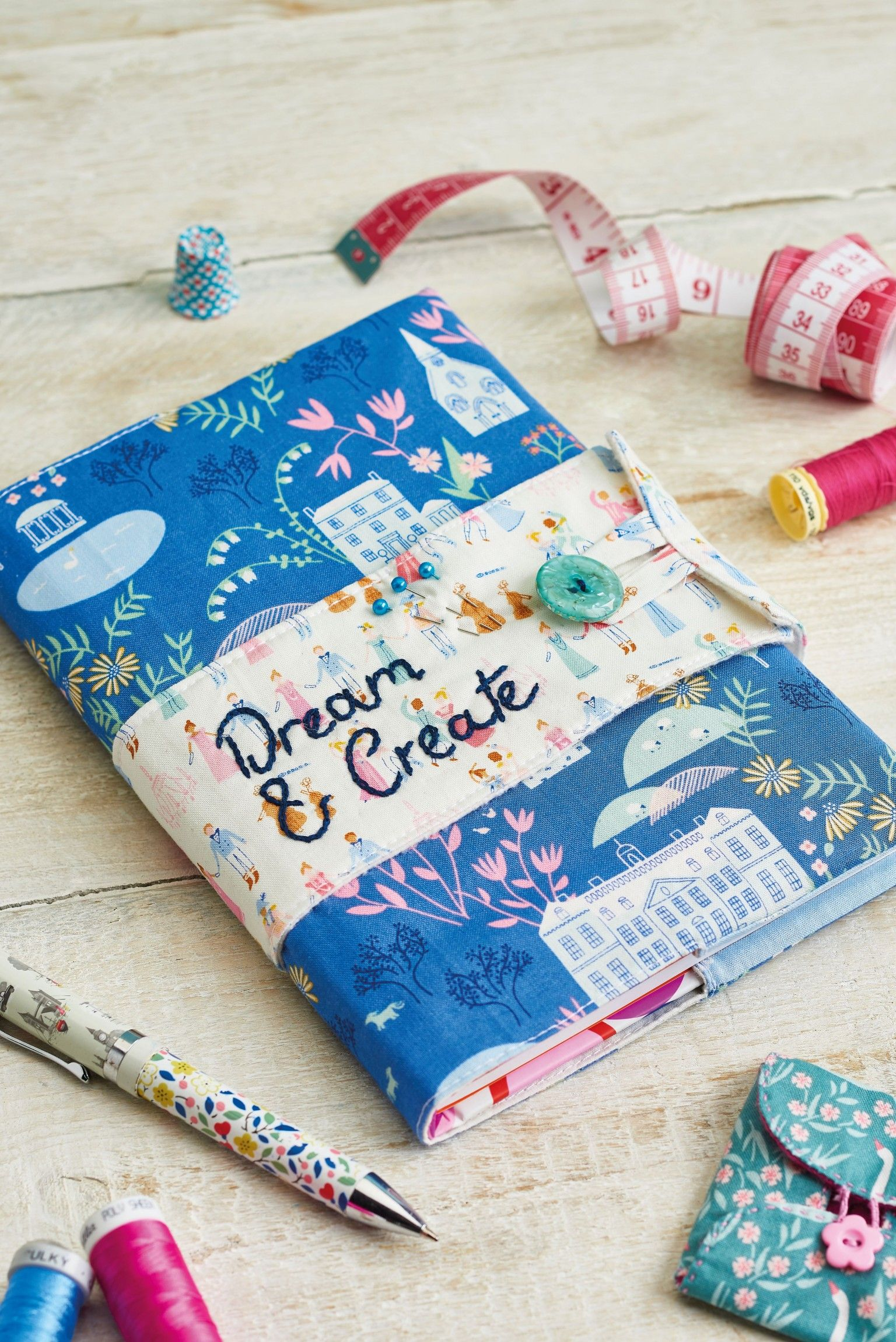 Sewing Journal Cover - Free sewing patterns - Sew