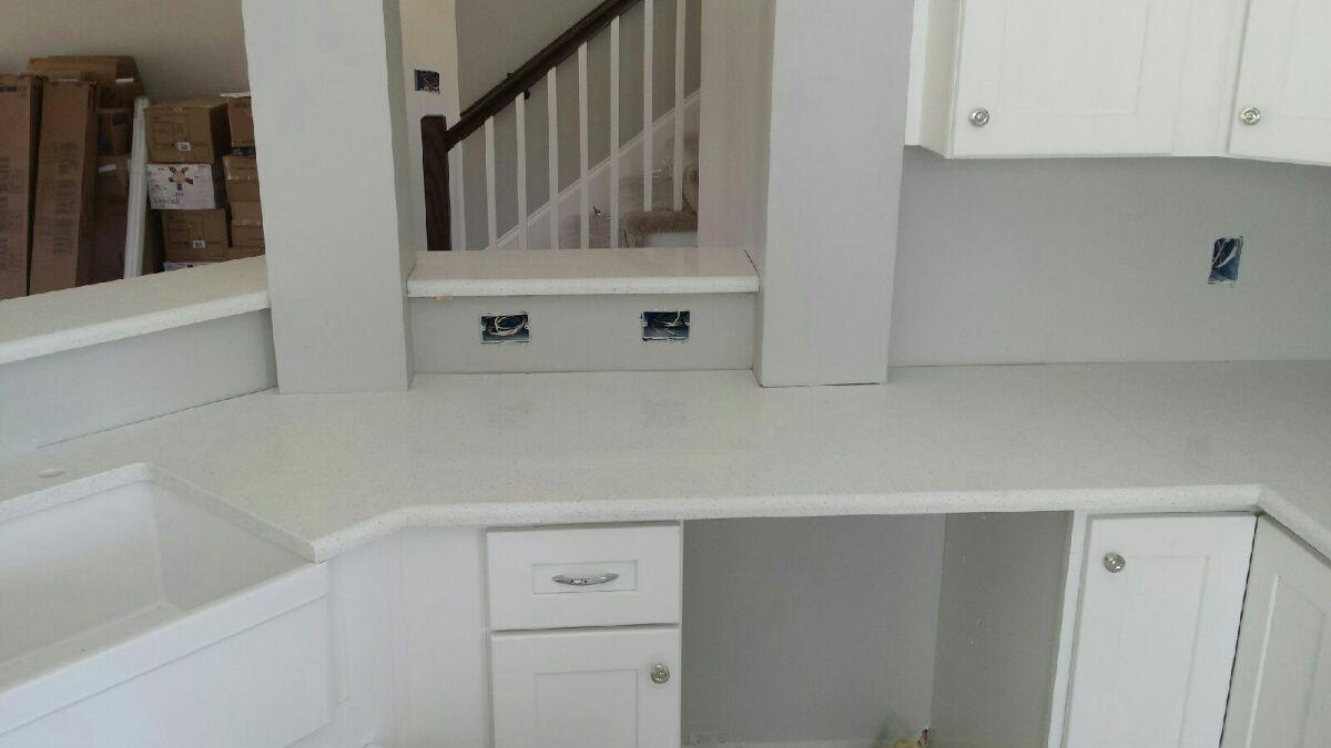 Celeste LG Viatera Quartz Kitchen Countertop And Bathroom Vanity Install  For The Roman Family. Knoxvilleu0027s