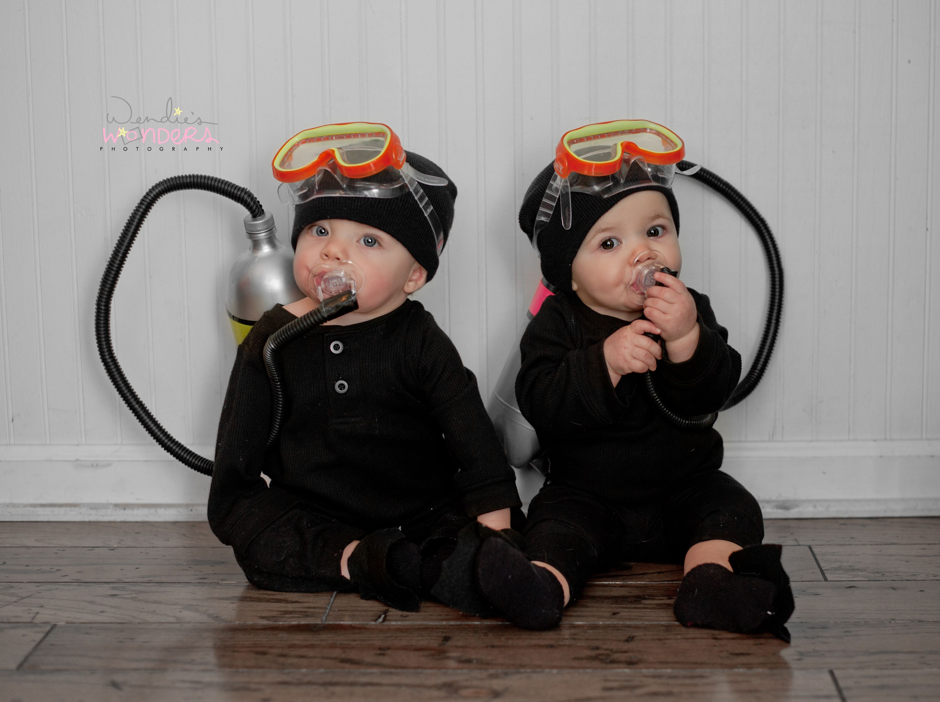 Halloween costumes for twins – Scuba Divers