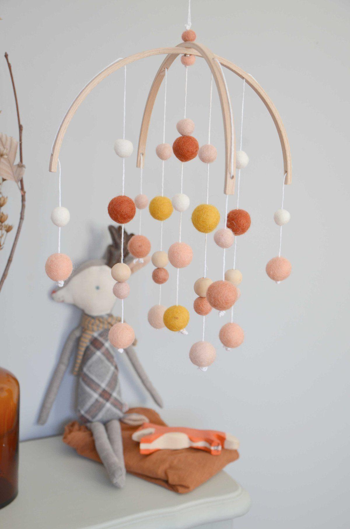 Fil De Peche Rose image of mobile rouille ocre dragée | objet décoration