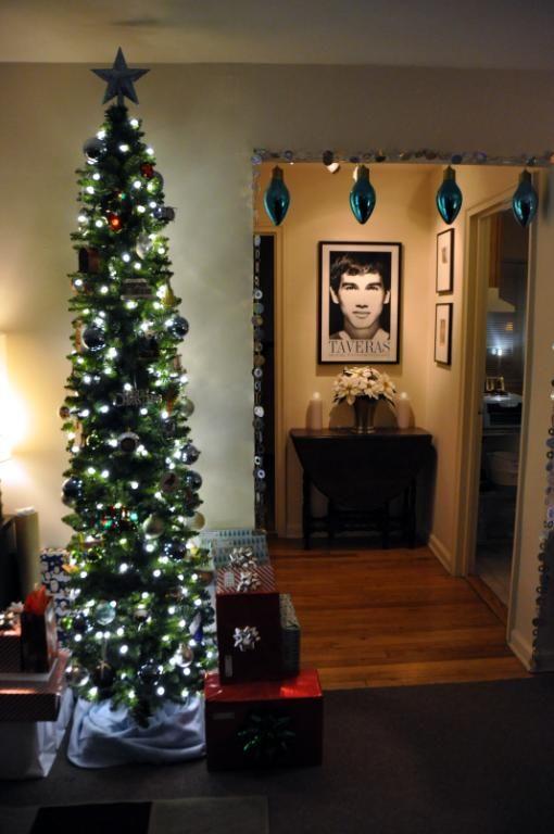 Tall Thin Christmas Tree With Lights.Pin On Christmas