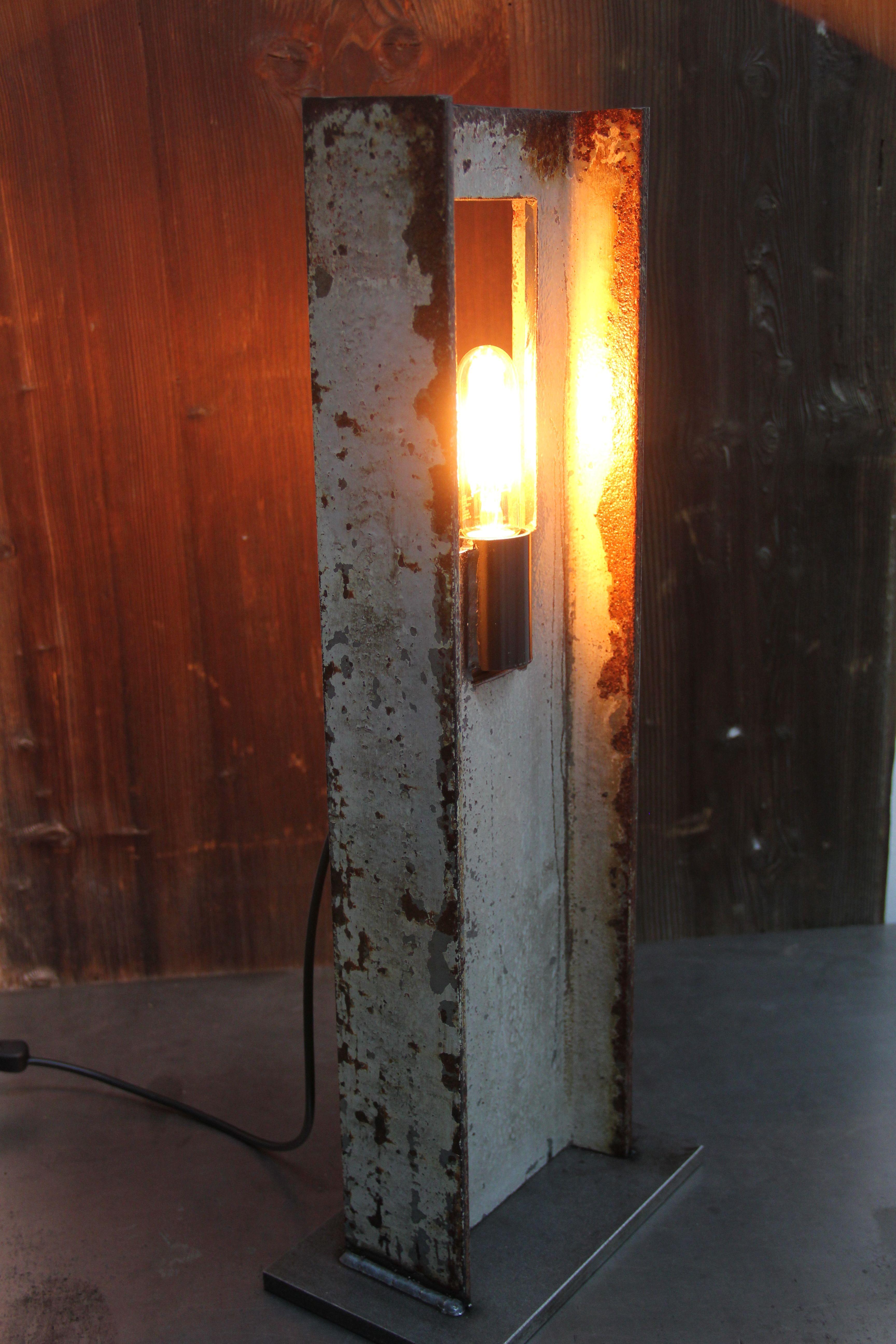 So schön kann ein Stahlträger sein. | Lampe, Wandlampen