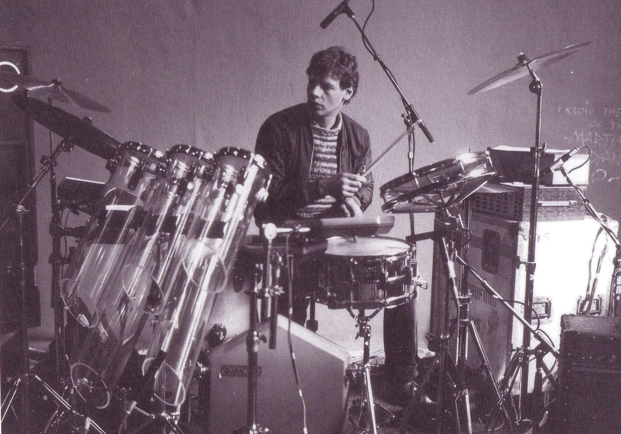 Bill Bruford drummer of Yes and King Crimson. Highly underrated percussionist! | Bill bruford, Drummer, Drums