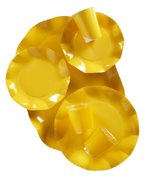 Coordinato tavola Usa e getta, giallo. Piatti, coppette, vassoi, ciotole in cartoncino ecologico, tovaglioli in carta e bicchieri in plastica kristal. Made in Italy. Disponibili da C&C CReations Store.