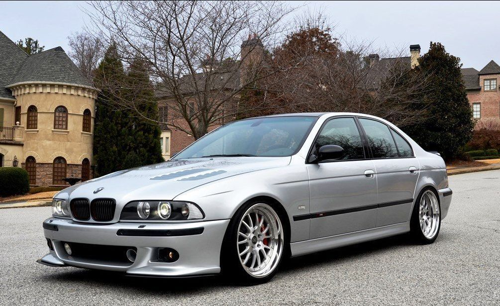BMW E39 M5 2003 Titanium silver, highly customized - an absolutely stunning, well detailed car!
