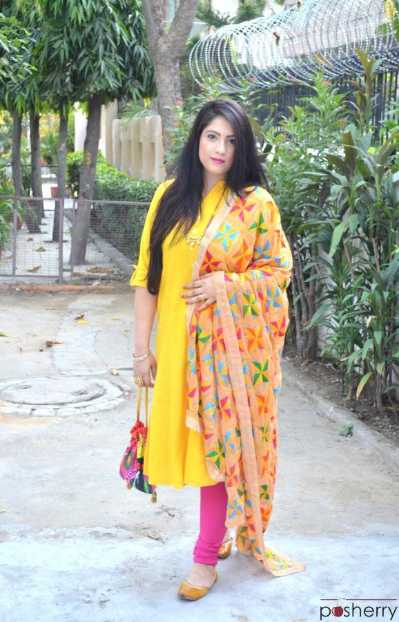 e0a1d3d9c6 Phulkari Dupatta With Plain Suits Look For A Festive Outfit | Woman ...