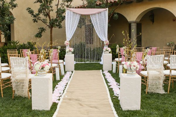romantic ceremony decor