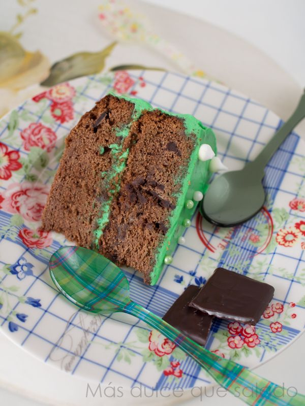 Más dulce que salado: Tarta de chocolate y menta (con trocitos de After Eight!!)