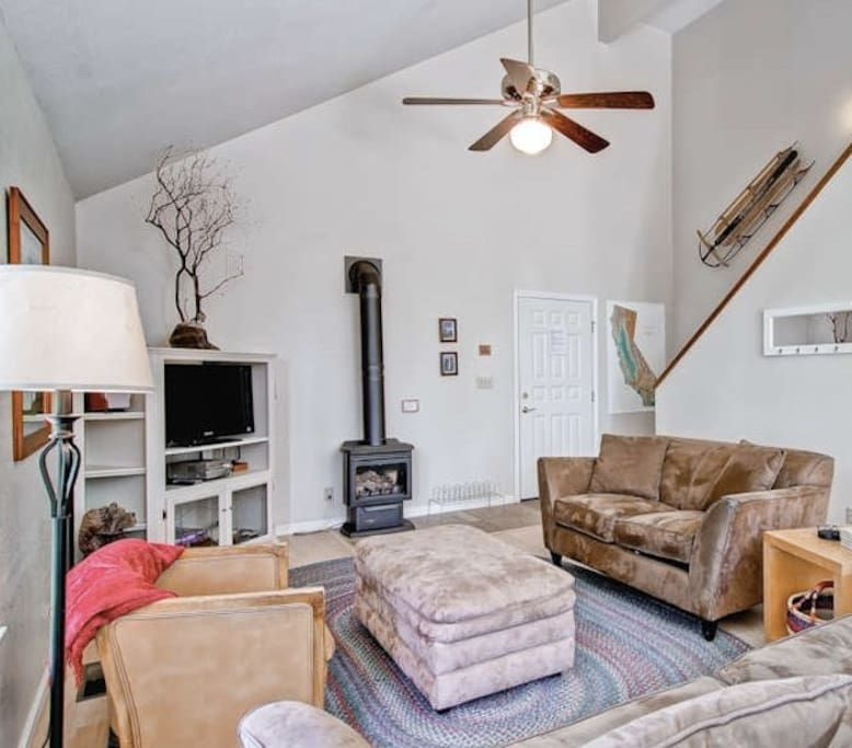 Yosemite, in park 25-30 min from valley. 2 queens/2 twins, $400/nt ...