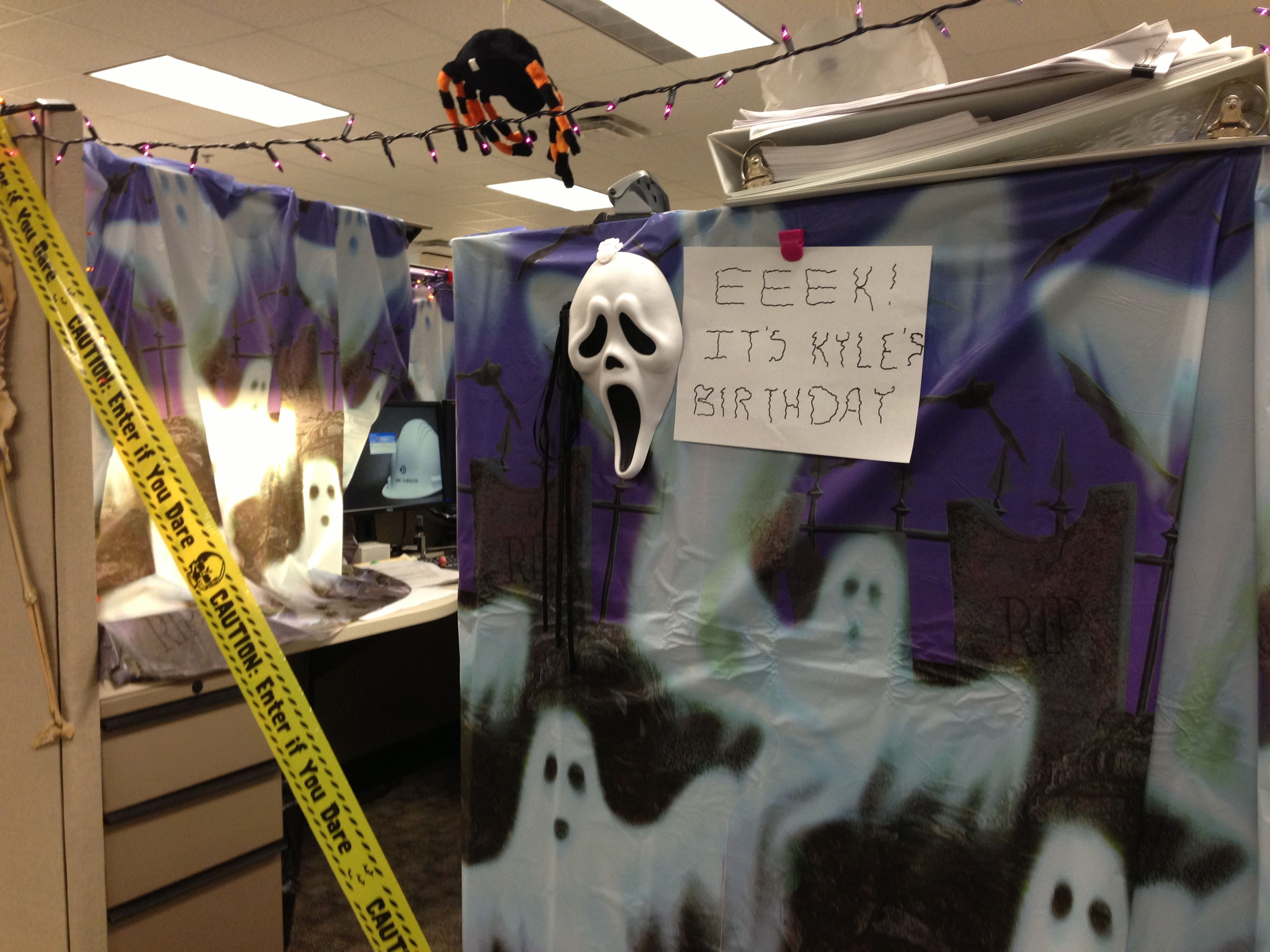 Halloween Themed Decorating Ideas Part - 19: Halloween Theme Cubicle Decorating