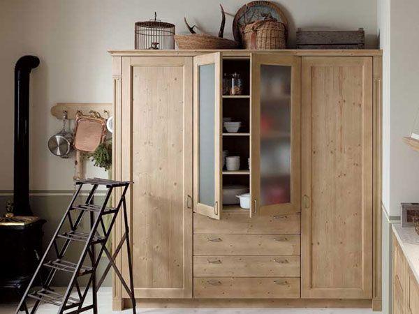 Alimenti stoviglie prodotti per la pulizia in cucina lo spazio non basta mai abbiamo - Ikea mobili cucina dispensa ...