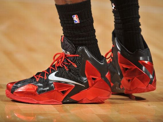 NBA Feet: LeBron James - Nike LeBron 11