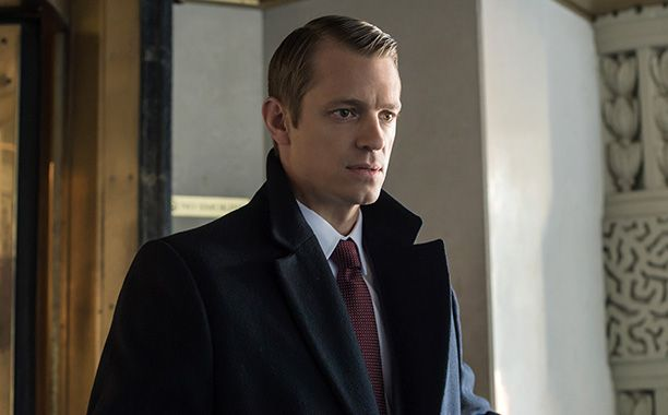 justjoelkinnaman: Entertainment Weekly: 12 Characters Who Are Running for President on TVNeed some inspiration for a write-in candidate at the polls? Governor Will Conway, Republican, on House of Cards (Joel Kinnaman) http://www.ew.com/gallery/characters-running-president-tv/2543523_governor-will-conway-republican-house-cards-joel-kinnaman