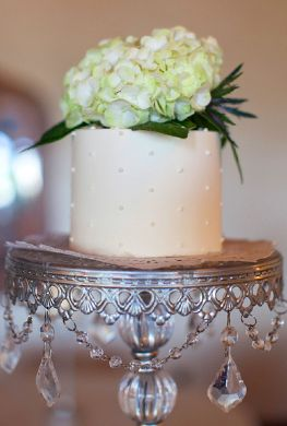 White hydrangea cake. This would make a wonderful three tier