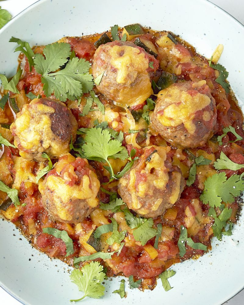 Mexicaanse gehaktballetjes in tomatensaus met rijst