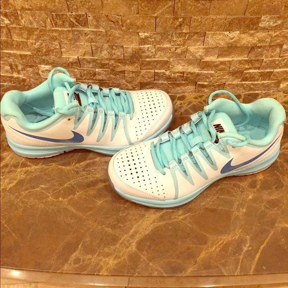 Women S Nike Vapor Court Tennis Shoe Tennis Court Shoes Nike Women Nike Vapor Court