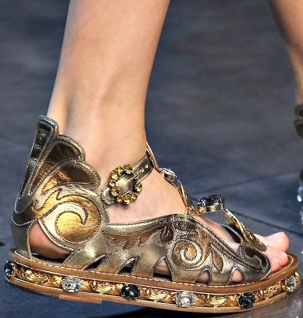 https://www.google.es/search?q=dolce & gabbana shoes
