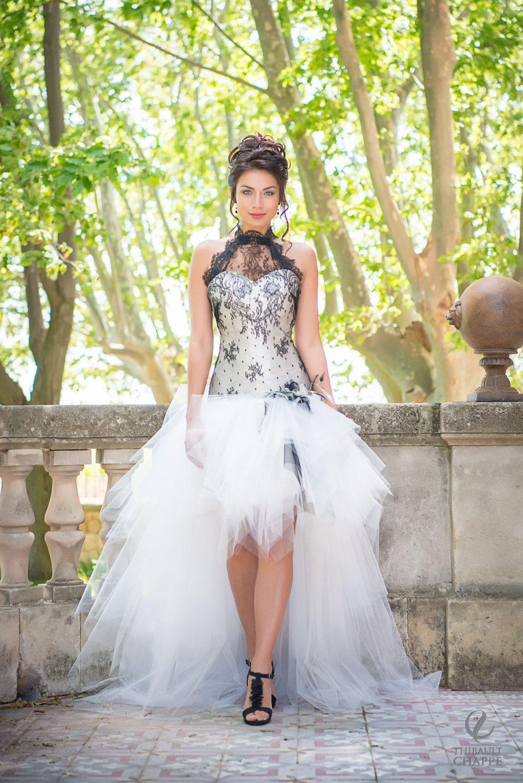 0bbf948b8ff robe de mariée noire. modèle DESIR collection Mariées de Provence 2018
