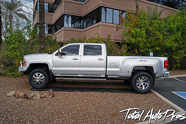 Pictures And Description Of A 2016 Chevrolet 3500hd Dually This
