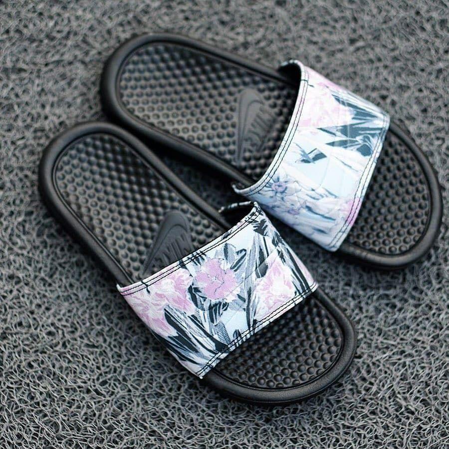 lana Desnudo global  womenshoes #womensfashion #womenstyle Ready StockNike Benassi Flower/Black  | Original, Made in Indonesia, Brand New Include Box | Size… | Nike benassi,  Shoes, Nike