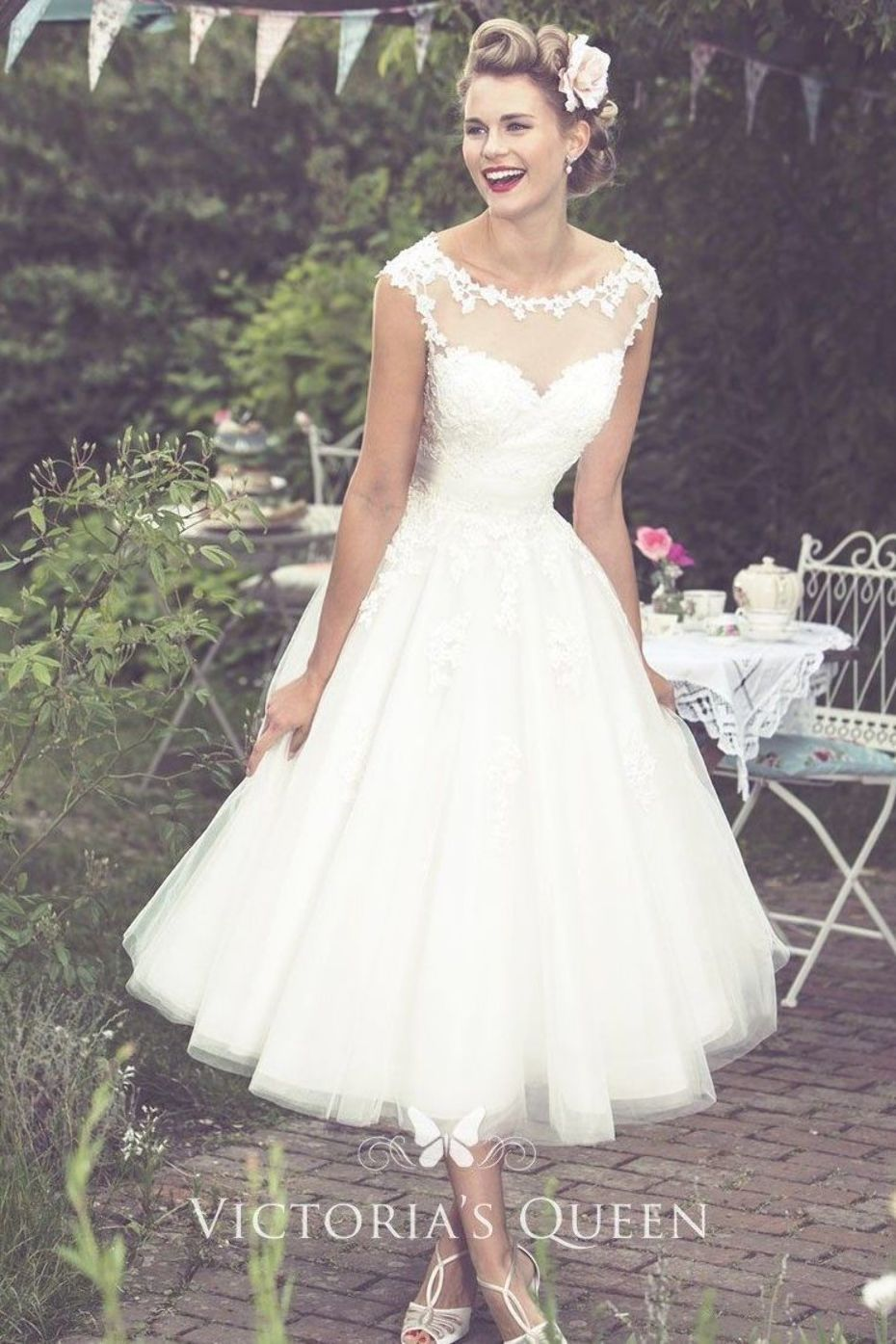This tea length rustic wedding dress is perfect for a relaxed