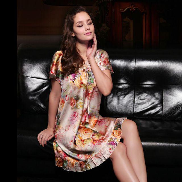 Mulberry silk female summer short-sleeve square collar lace elastic satin heavy silk nightgown plus size sleepwear bathrobe US $145.98 /piece click the link to buy http://goo.gl/YJxPC6