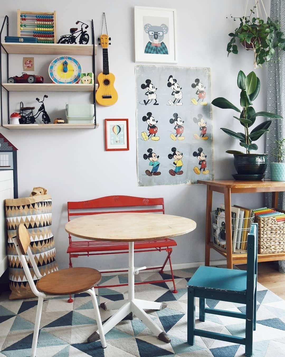 Playroom Vintage Furniture Posters Toys Plants (met