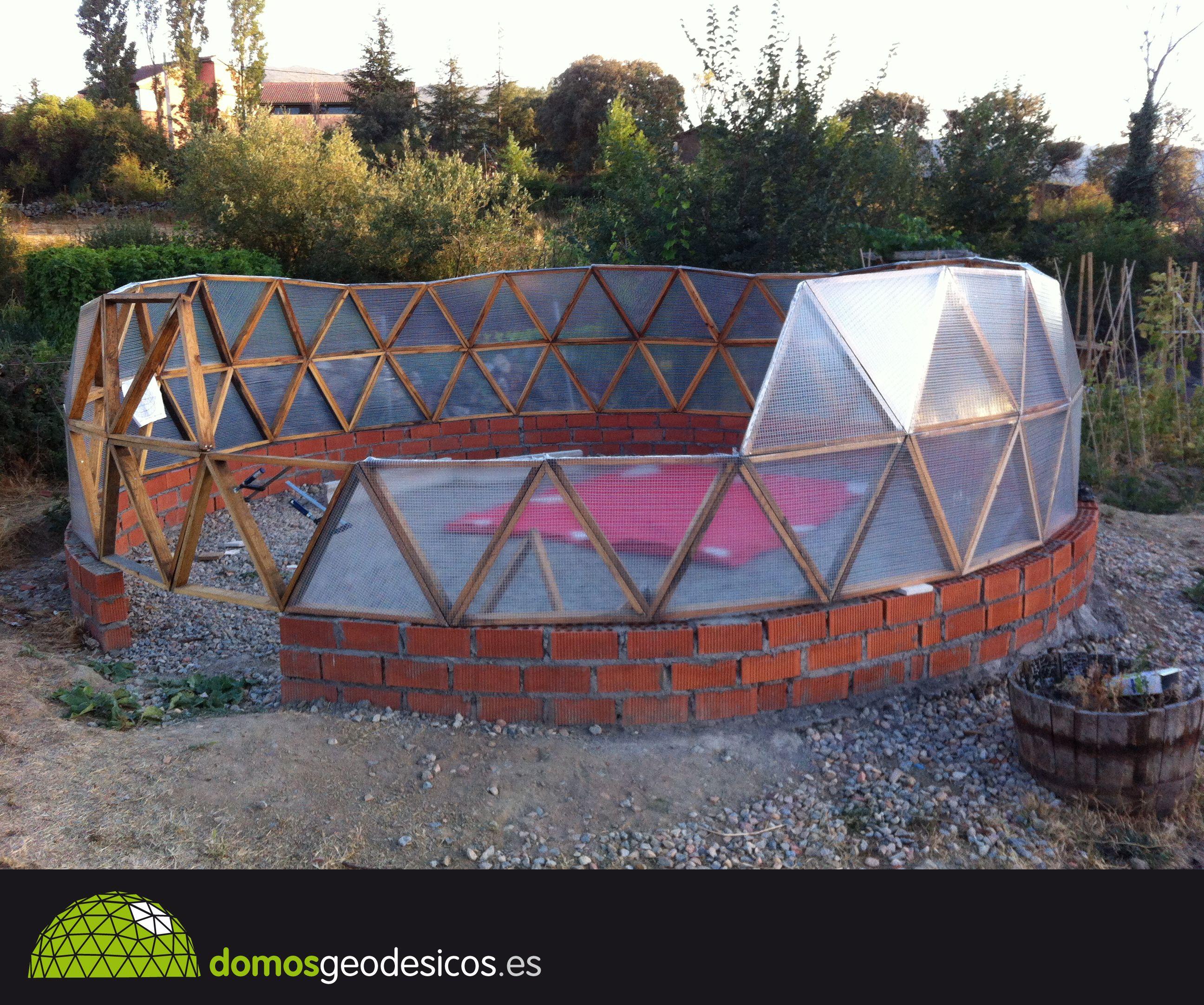a continuación os dejo el proceso de construcción de un domo