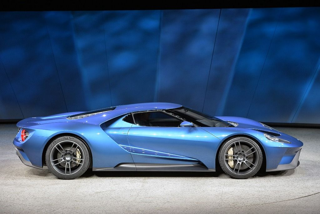 Ford Gt Right Side View