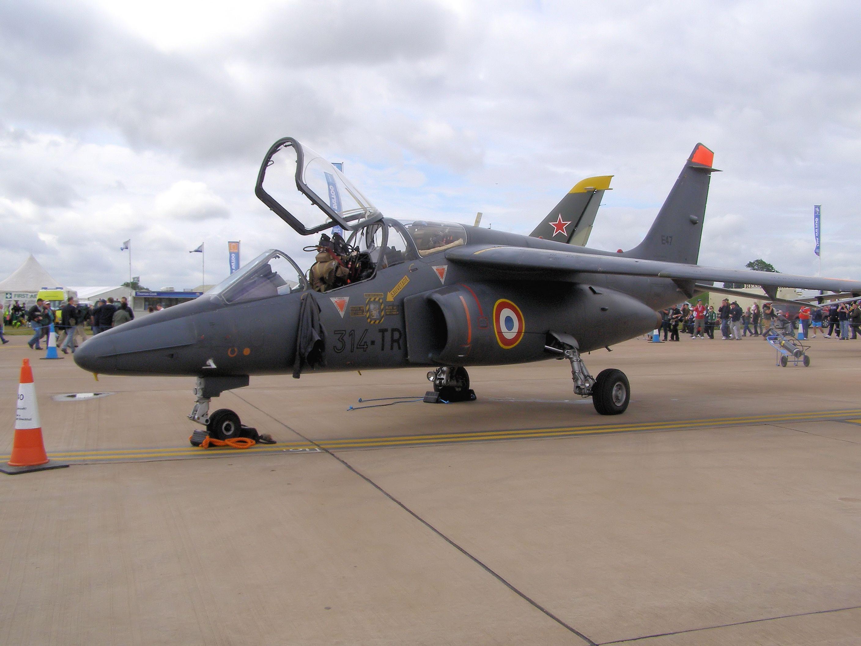 Alpha Jet A: v -                   Alpha Jet A: versión de ataque originalmente usado por Alemania.