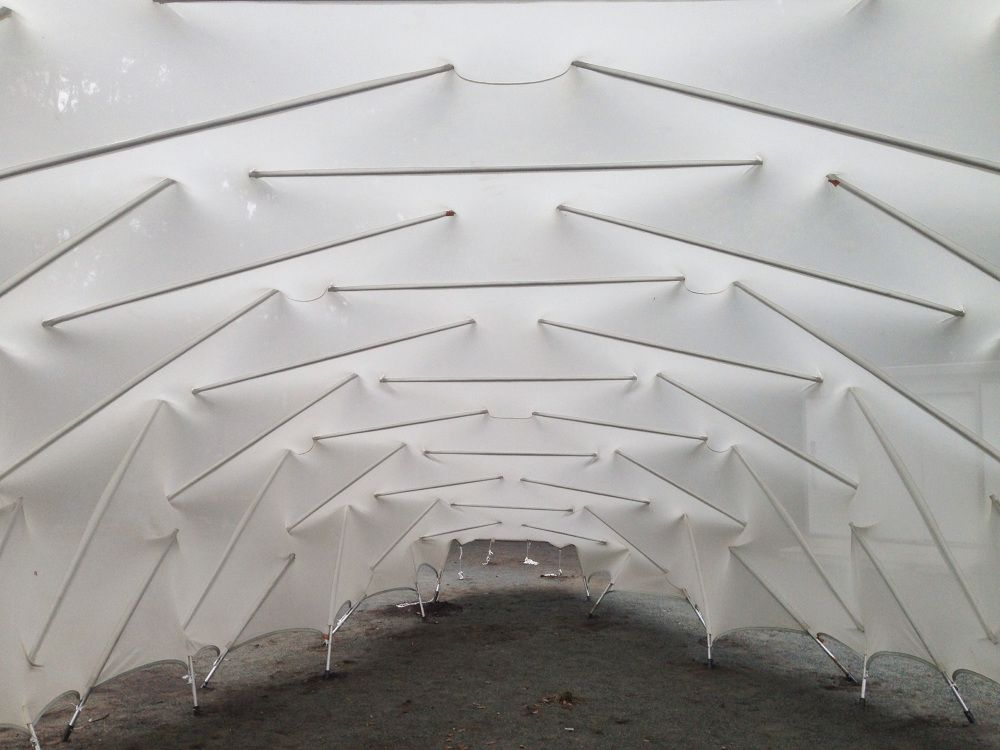 Ce pavillon a été conçu lors d'un studio indépendant par des étudiants à la maîtrise en architecture sous la supervision du professeur et architecte Kazuhiro Kojima. Le pavillon est entièrement démontable et fut érigé à Taiwan et dans plusieurs v...