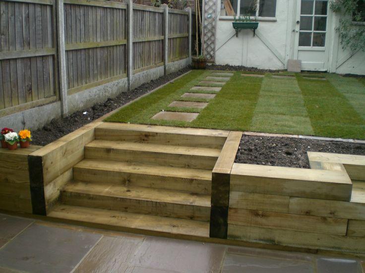 escalera losas de jardn jardn con terrazas jardn de hierbas huerta traviesas de ferrocarril jardn muros de contencin muro de contencin del