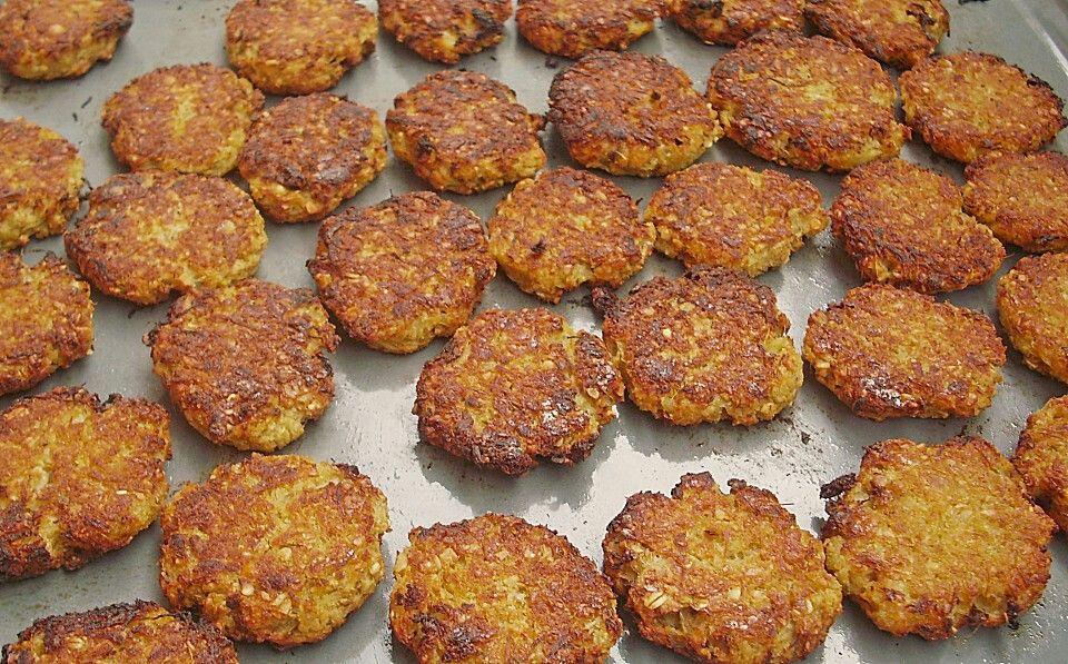 Sauerkraut-Bratlinge -1 Teil Sauerkraut -1 Teil (Dinkel)Mehl -Zwiebel -Zimt, Salz, Pfeffer, Knoblauch