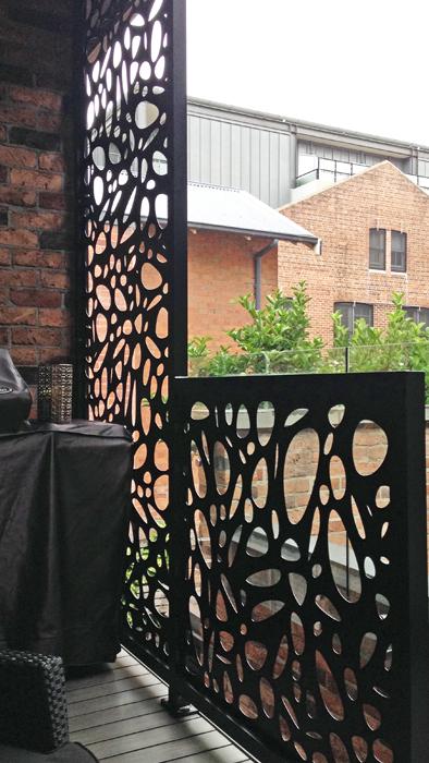 Fabricated Powder Coated 3mm Aluminium Privacy Screens   Cayman Design