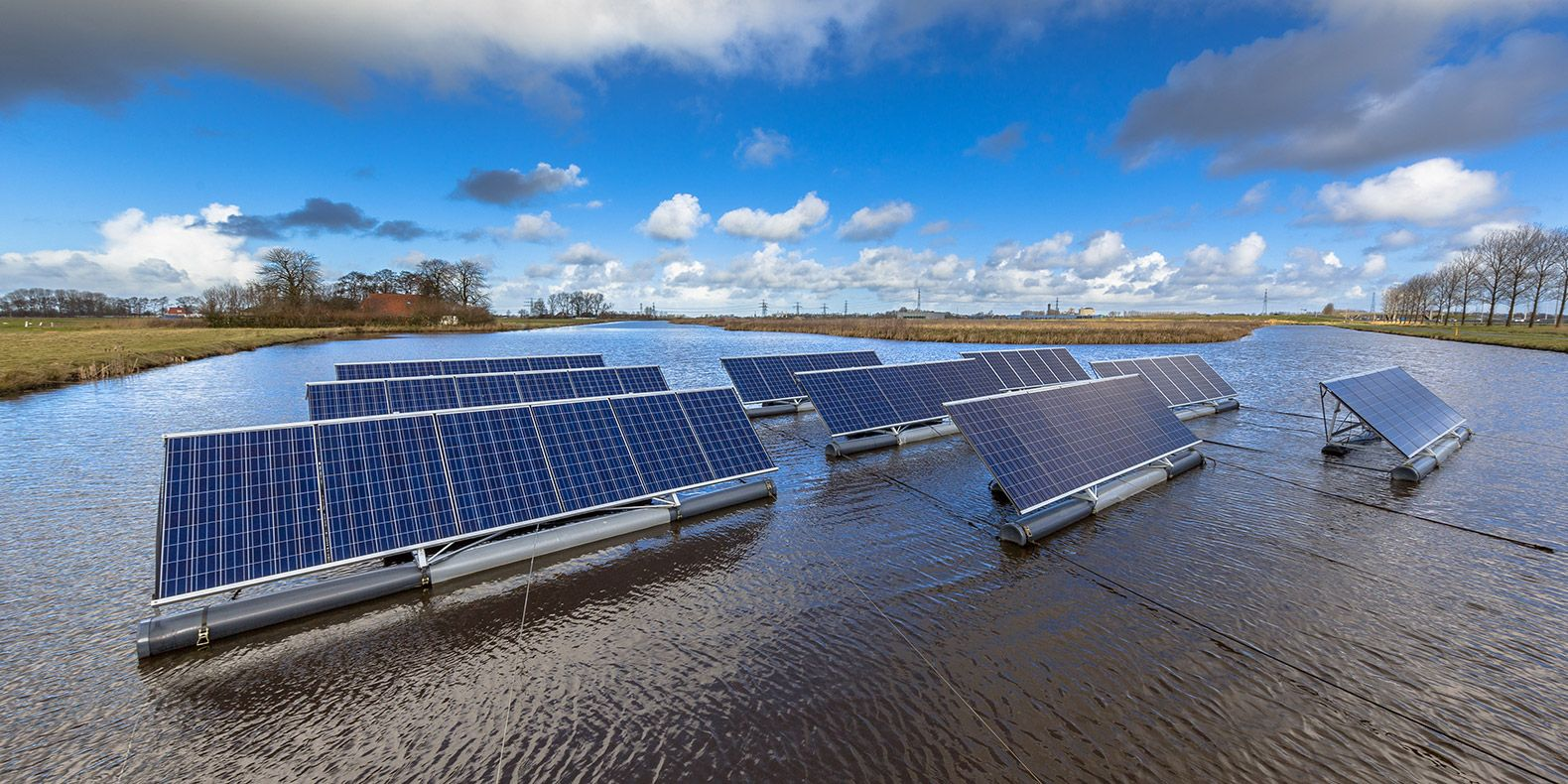 The Netherlands Plans 26 910 Square Foot Floating Solar Farm At Sea Solar Farm Solar Solar Panels