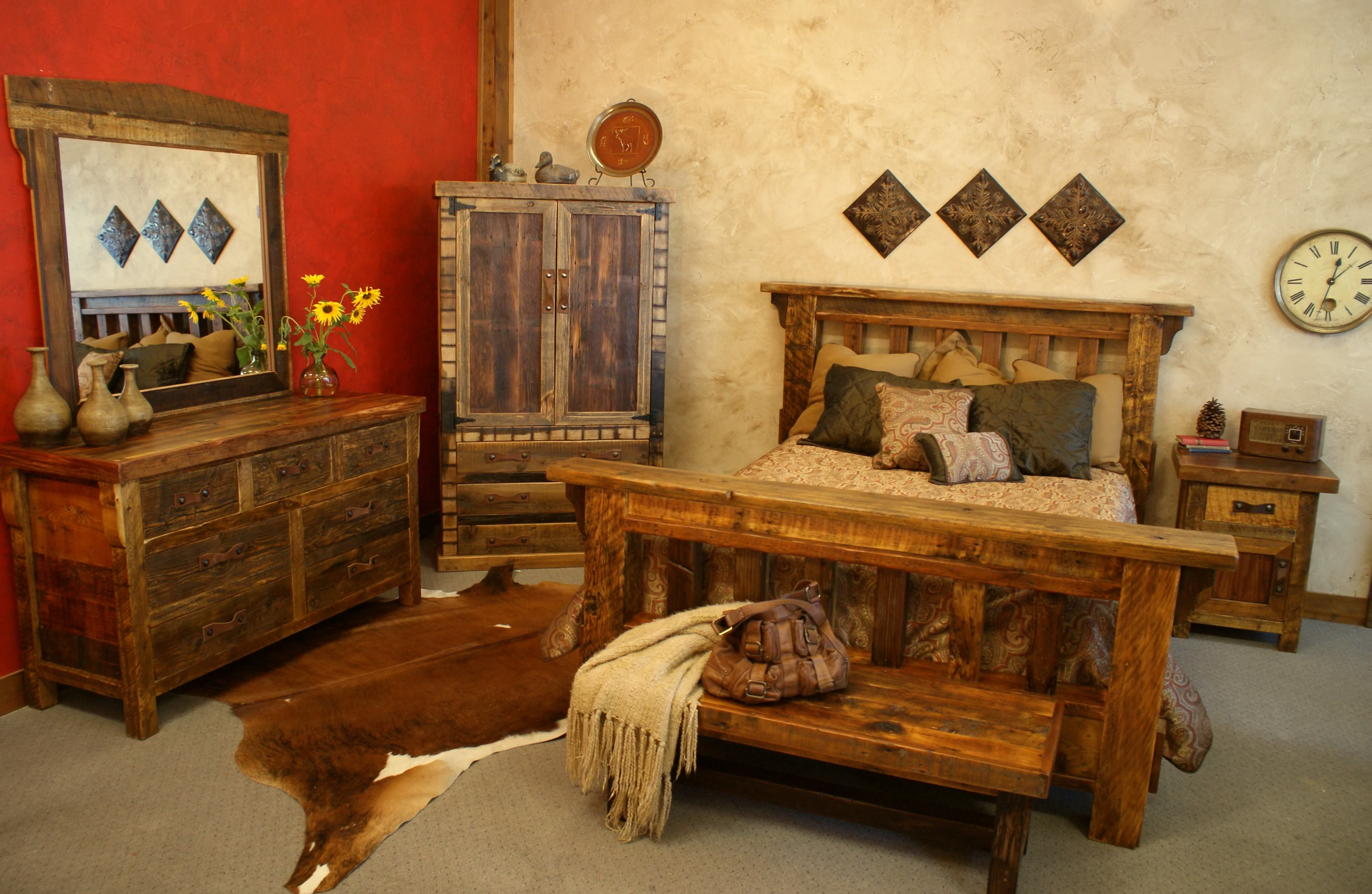 Rustic Bedroom Ideas With Nice Pillow On Single