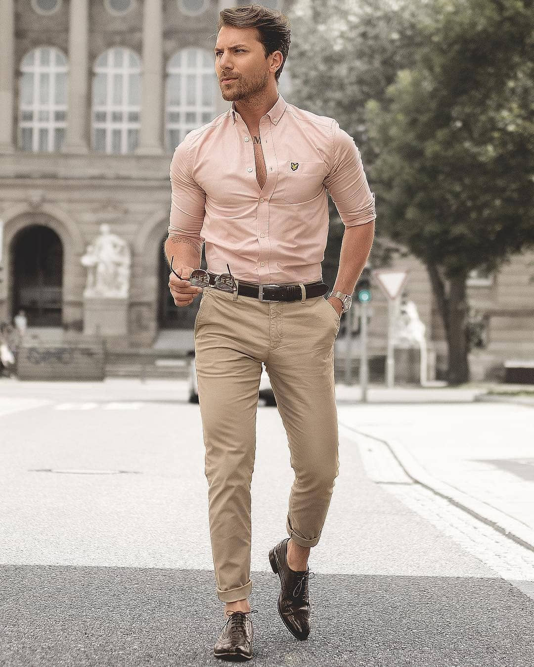 Flannel shirt tied around waist guys  Pin by Dawson Bielecki on Fashion  Pinterest  Mens fashion