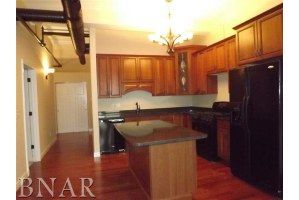 Ensenberger Luxury Condominiums  212 N. Center St. Unit 305 MLS#2123806 Listed at $289,900 Call Char Huff today for a personal tour! 309.825.2427! Visit www.charhuff.com today for all listings!