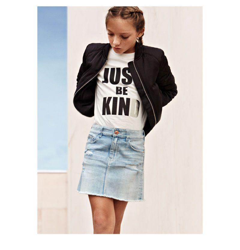 jupe en jean pour petite fille bomber noir tee shirt blanc message mode fille pinterest. Black Bedroom Furniture Sets. Home Design Ideas