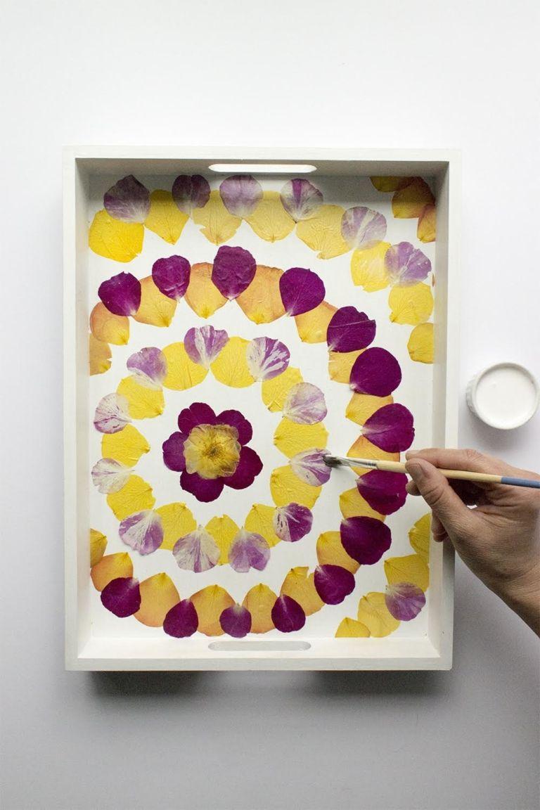 DIY pressed flower tray Pressed flower art, Flower